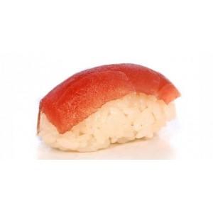 Суши нигири с тунцом